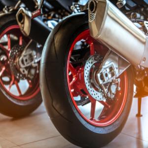 Motorkerékpár szállítás - Benefit autokontroll